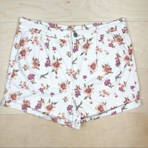 NEW American Eagle Mom Shorts White Floral